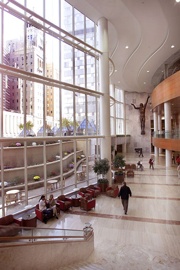 The Landow atrium in the Gonda building. The 20-story building, opened in 2001, is linked with the Mayo Building and the Charlton Building of Rochester Methodist Hospital, forming the largest interconnected medical facility of its kind in the world, with more than 3.5 million sq. ft. (325,150 sq. m.).