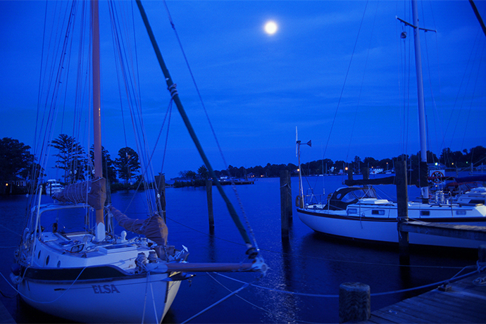 Elizabeth-City-Boats-Docked-at-Night-with-Moon