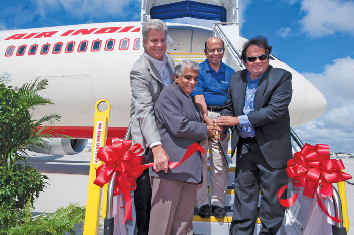 BoeingAIN_ribboncutting