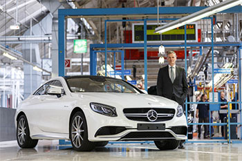 Markus Schäfer, Member of the Divisional Board of Mercedes-Benz Cars, Production and Supply Chain Management, in the S-Class Coupé assembly area at the Sindelfingen plant in Germany.