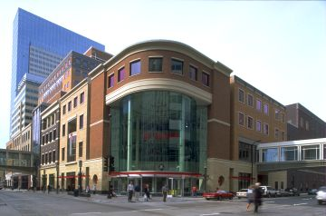Nicollet Mall, an appealing venue for the visitor